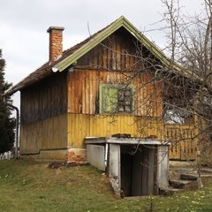Lenti: Old timber house with orchard and huge plot